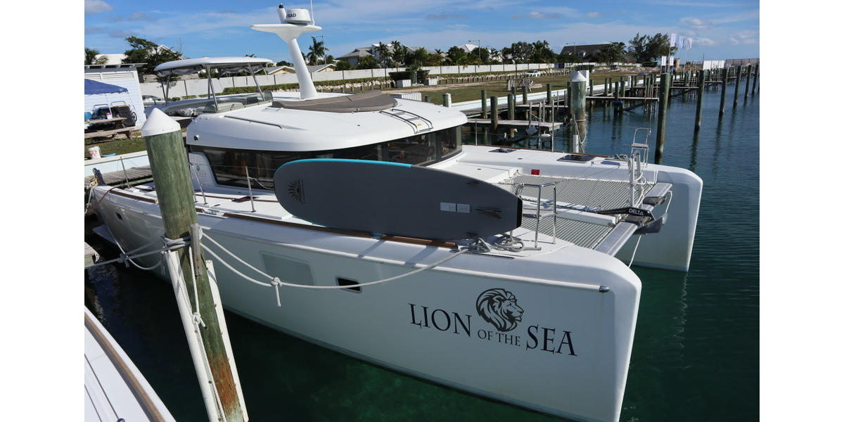 Xl 1200 lion of the sea docking