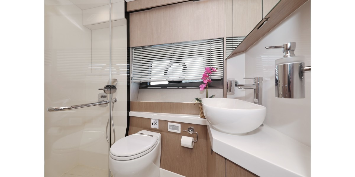 Xl 1200 cico guest bathroom