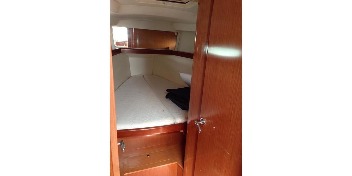 Xl 1200 21.bow cabin
