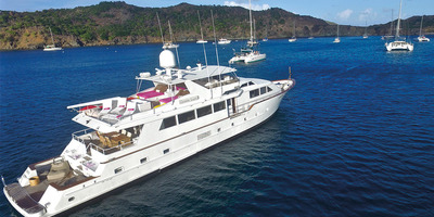 Md 400 100ft 1 yacht rental agency st barts saint barthelemy motor yacht boat