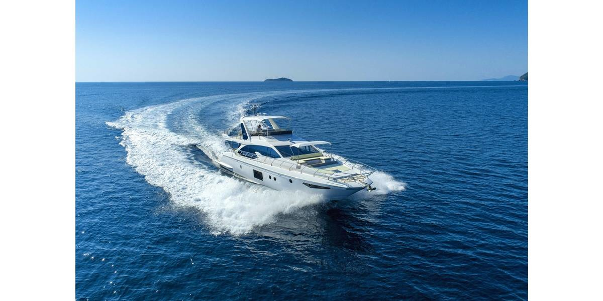Xl 1200 azimut 66 tamara ii  luxury crewed yacht charter on the adriatic sea  dubrovnik by bomiship