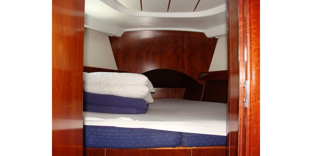 Xl 1200 31.bow cabin