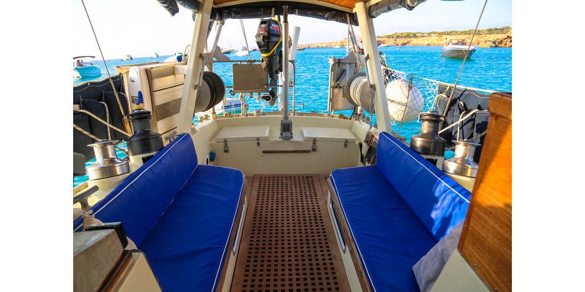Xl 1200 sailing holidays 1