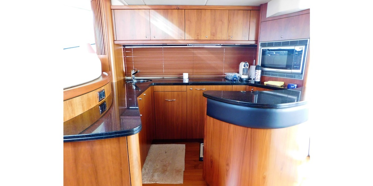 Xl 1200 interior yate lujo 5