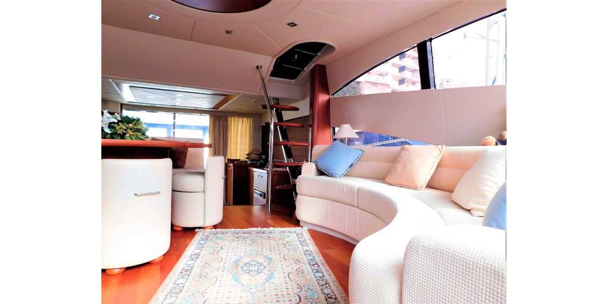 Xl 1200 interior yate lujo 9