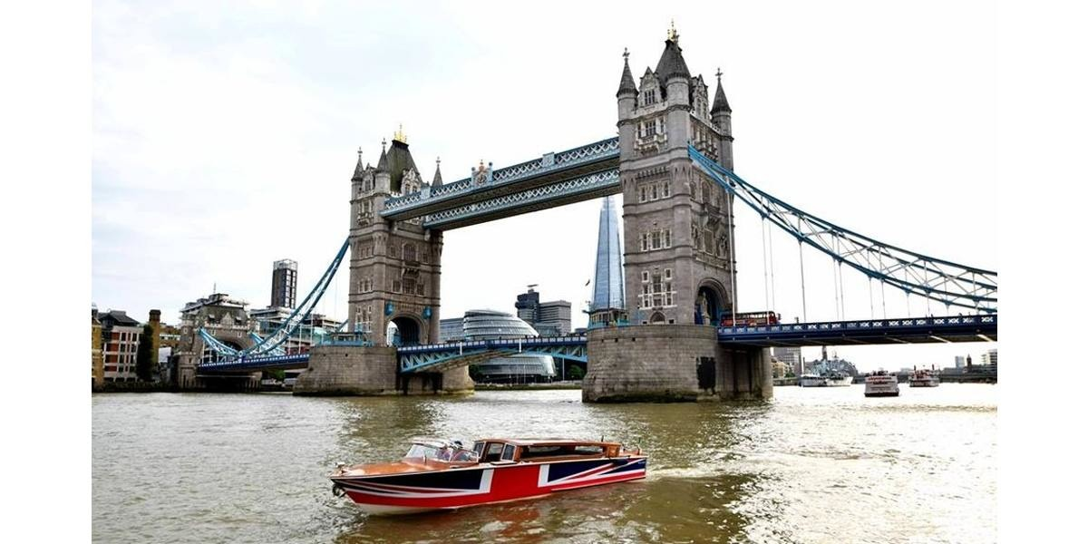 Xl 1200 london landmarks tower bridge boat expereince