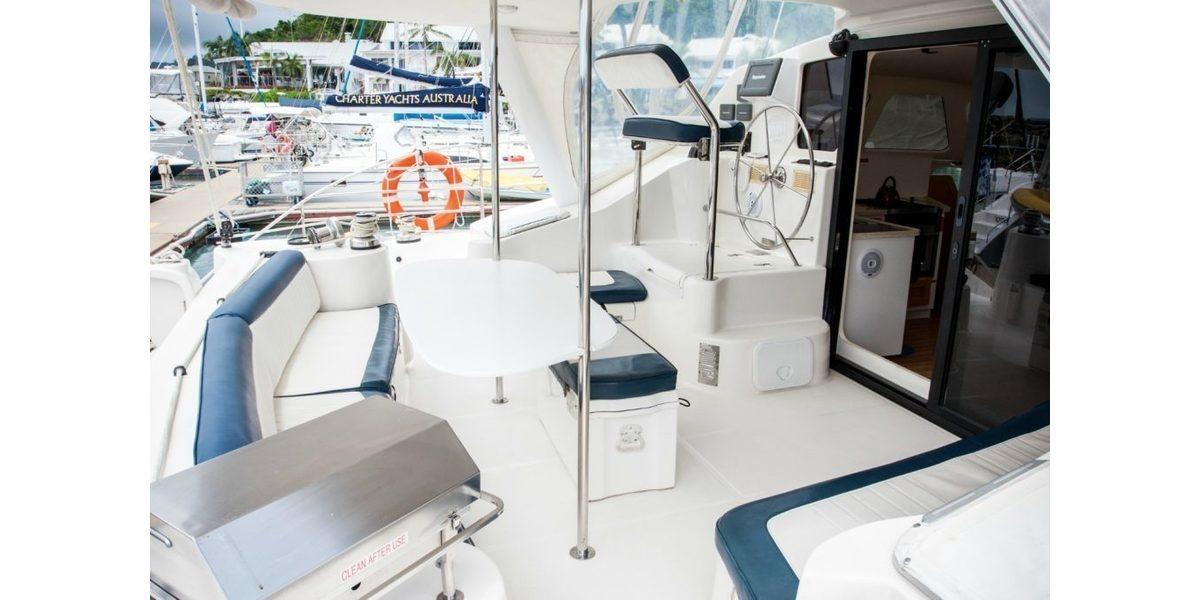 Charter Lightwave 45 in Airlie Beach | Boataffair