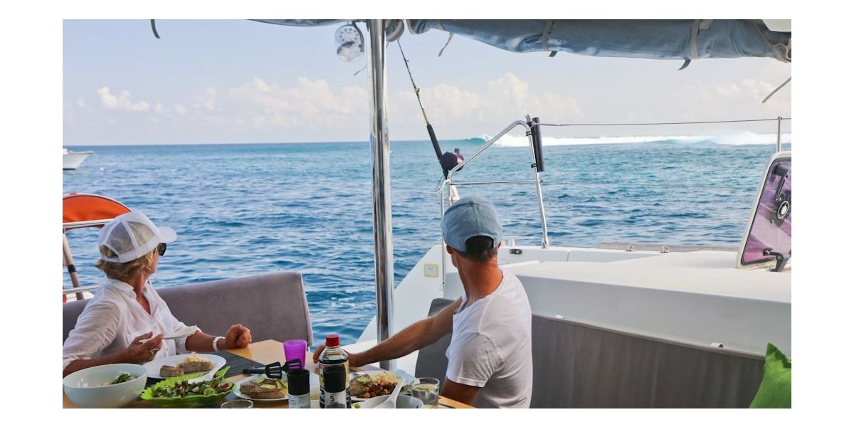 Xl 1200 lunch break... elysia surf charters maldives